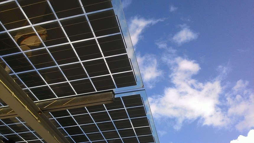 PHOTOVOLTAIC SKYLIGHTS & CANOPIES (BIPV)